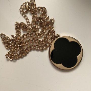 04b04b8ebf32 Серьги кольца Louis Vuitton – купить в Москве, цена 200 руб ...
