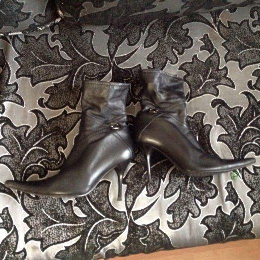 Сапоги  и ботинки по 500₽. Фото 2. Москва.