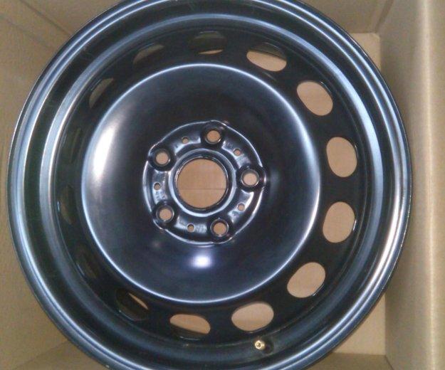 Штампованные диски на шкоду октавию а7. Фото 1.