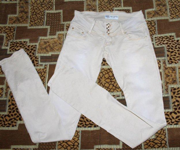 Светлые джинсы. Фото 1. Чебоксары.