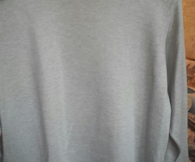 Пуловер и футболка. Фото 4. Санкт-Петербург.
