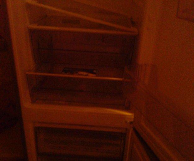 Холодильник б/у требует ремонта. Фото 3.