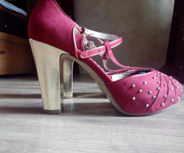 Туфли красные carnaby. Фото 2. Москва.