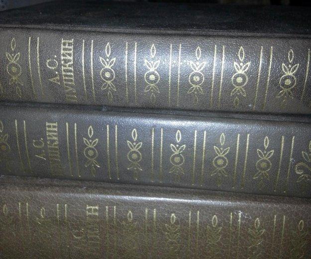 Книги по 50 руб. и 100 руб. Фото 2. Красноармейск.