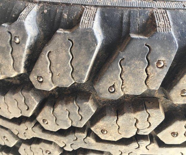 Резина на 15 шипованные. Фото 3.