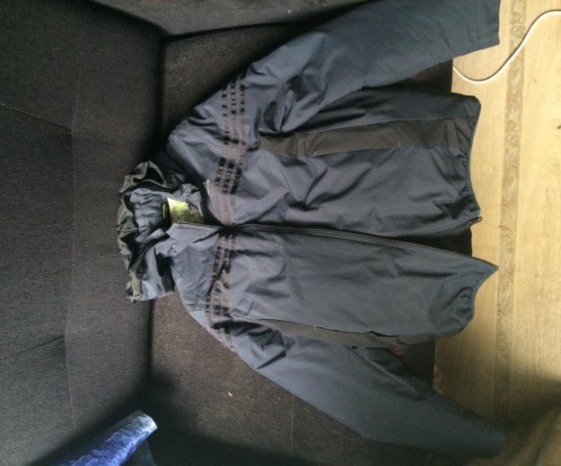 Зимняя куртка adidas. Фото 3.
