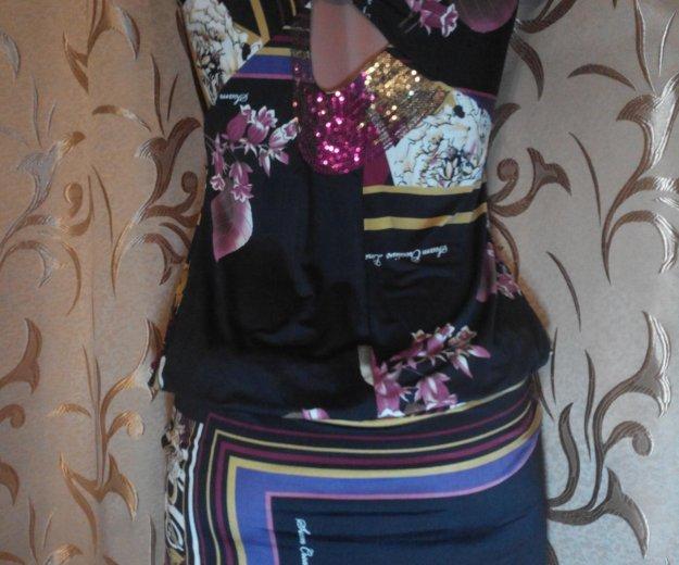 Сарафаны с цветочным принтом и пайетками. Фото 2. Евпатория.