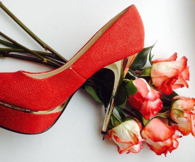 Красные туфли. Фото 3. Санкт-Петербург.