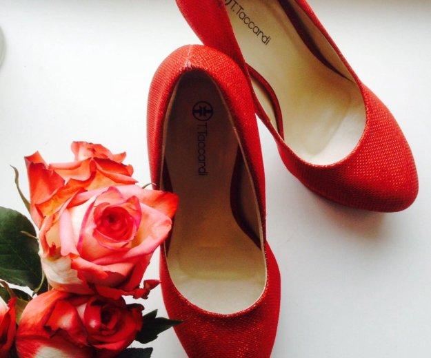 Красные туфли. Фото 4. Санкт-Петербург.