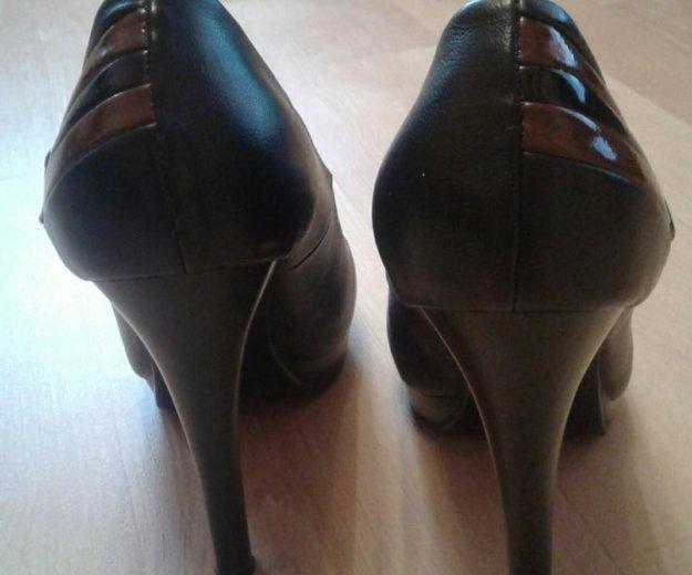 Туфли р-р38 обуты 2 раза на 1 2сентября. Фото 3. Строитель.