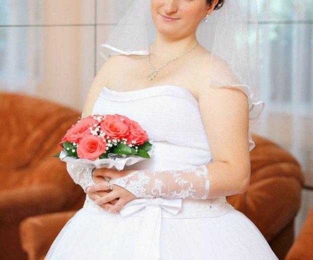 Продаю свадебное платье, кольца под платье. Фото 1. Старая Русса.