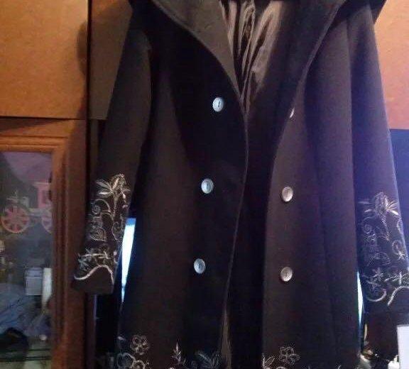 Пальто. Фото 1. Клин.