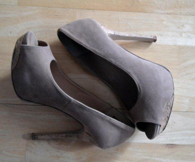 Туфли (шпильки на высоких каблуках). Фото 2.
