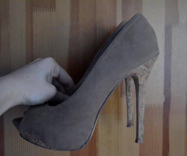Туфли (шпильки на высоких каблуках). Фото 1.