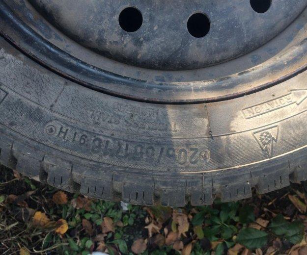 Шины зимние  немецкие r16 205/55+ штамповка. Фото 2. Омск.