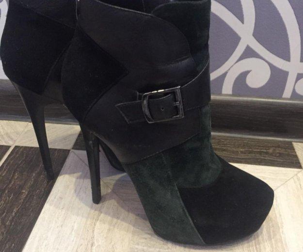 Обувь. Фото 2. Москва.