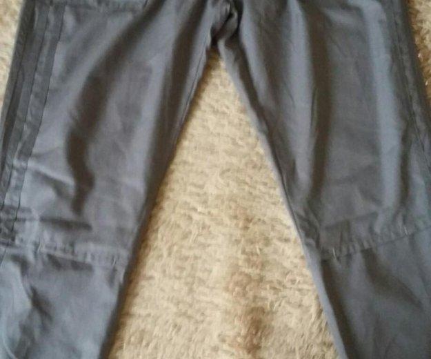 Спортивные штаны adidas. Фото 1. Тюмень.