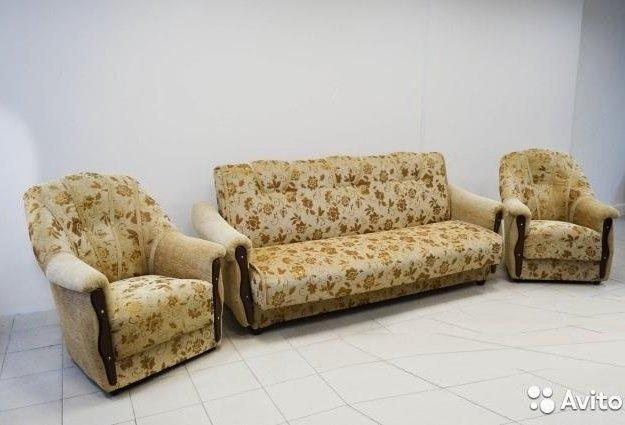 Комплект мягкой мебели. Фото 1. Саратов.