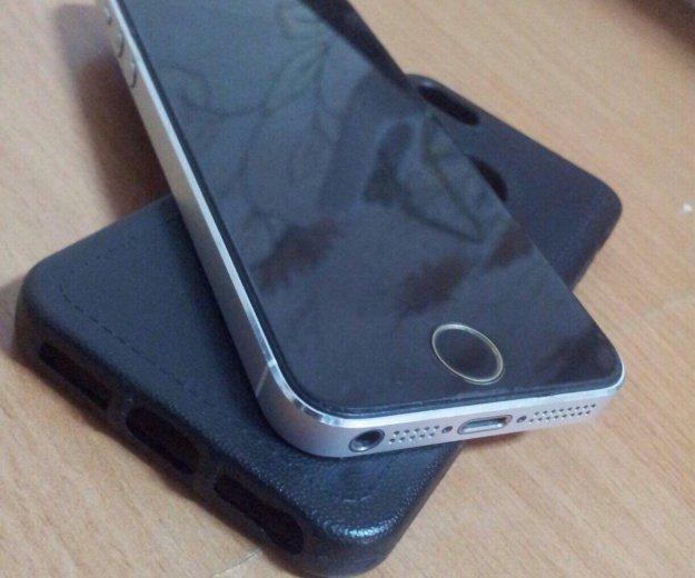 Айфон 5 на 32 гб. Фото 1.