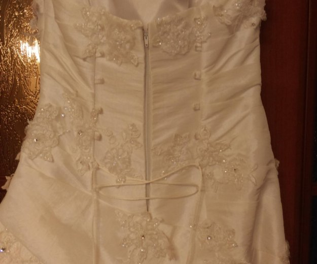 Свадебное платье 44-46. Фото 2. Люберцы.