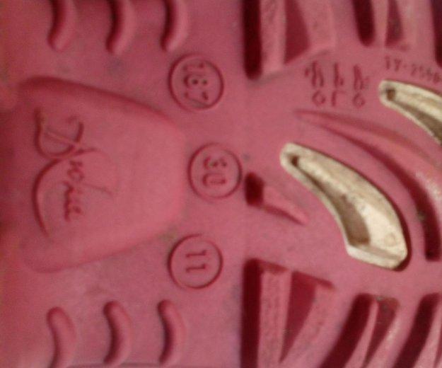 Детские резиновые сапоги. Фото 1.