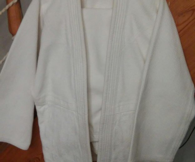 Кимоно для занятия дзюдо. Фото 1.