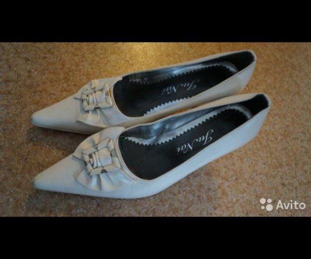 Туфли белые 37 р. Фото 4. Волгоград.