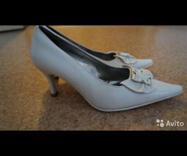 Туфли белые 37 р. Фото 1. Волгоград.