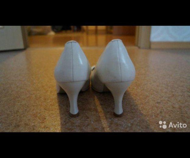 Туфли белые 37 р. Фото 3. Волгоград.