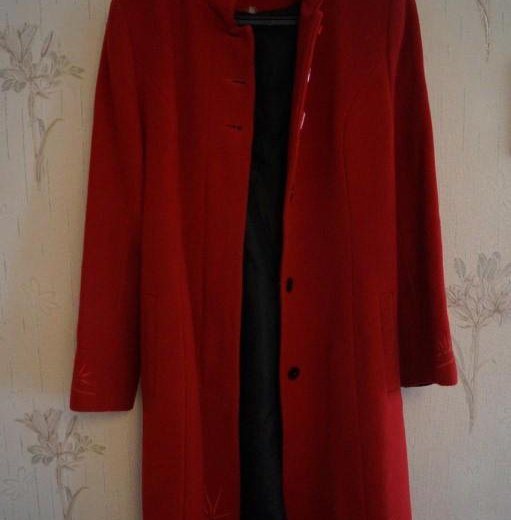 Пальто красное классическое. Фото 1. Волгоград.