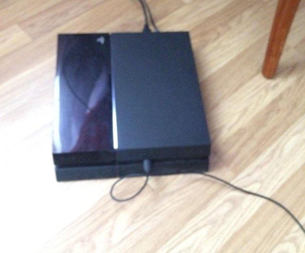 Playstation4. Фото 2.