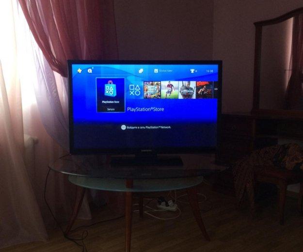 Playstation4. Фото 1.