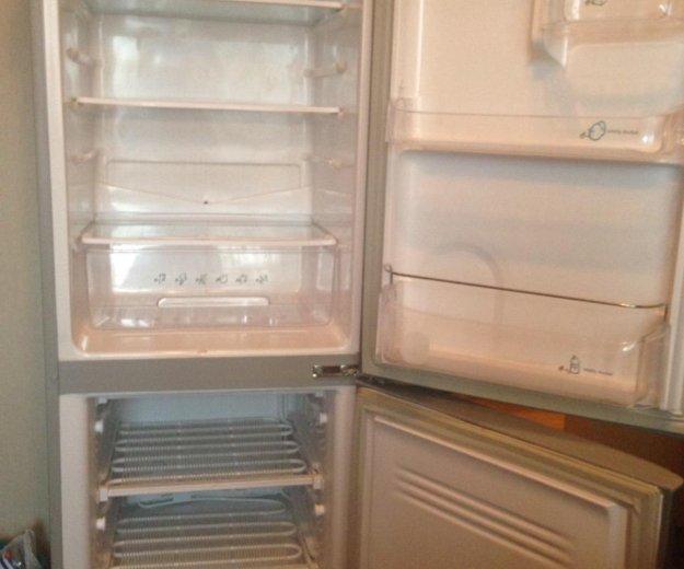 Холодильник samsung. Фото 1. Кемерово.