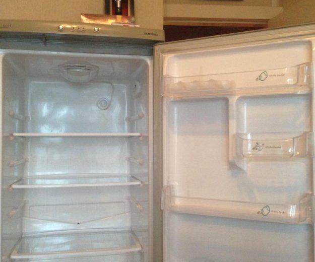 Холодильник samsung. Фото 2. Кемерово.