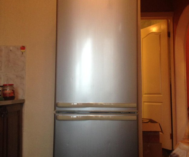 Холодильник samsung. Фото 4. Кемерово.