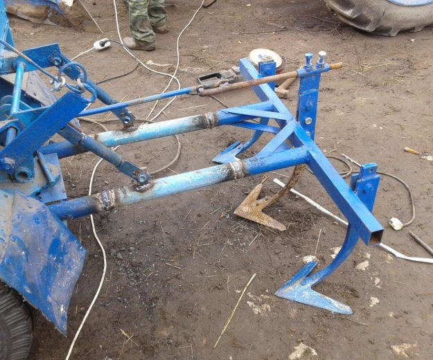 Мини-трактор с навесными оборудованиями. Фото 4. Йошкар-Ола.