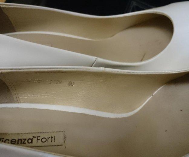 Белые туфли. Фото 1. Подольск.