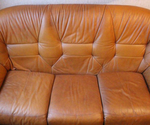 Диван кожаный + 2 кресла. Фото 1. Новокузнецк.