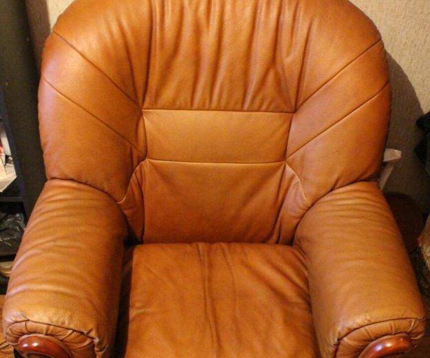 Диван кожаный + 2 кресла. Фото 2. Новокузнецк.