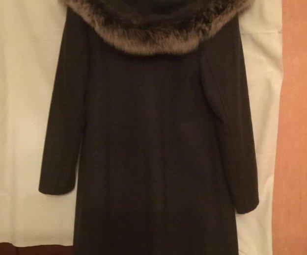 Зимнее пальто с капюшоном. Фото 1. Москва.