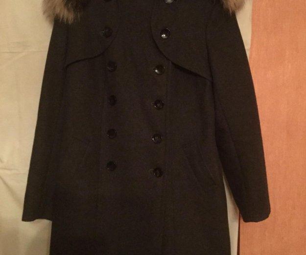 Зимнее пальто с капюшоном. Фото 2. Москва.