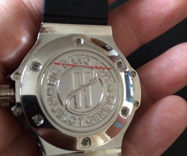 Женские новые часы hublot (цена снижена). Фото 3. Свердловский.