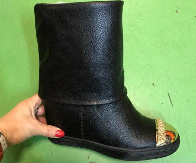 Зимние сапоги, ботинки. Фото 1.