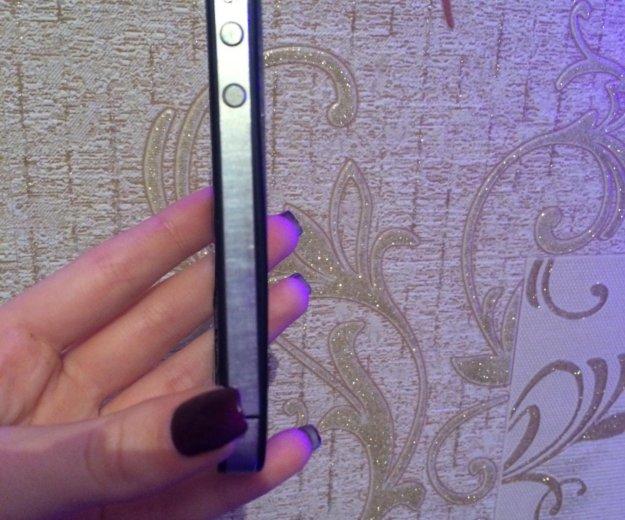 Айфон 4. Фото 2.