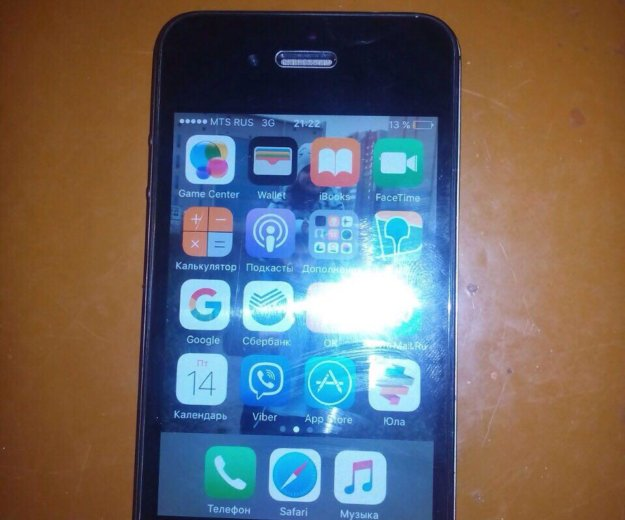 Iphone 4s 8г. Фото 1.