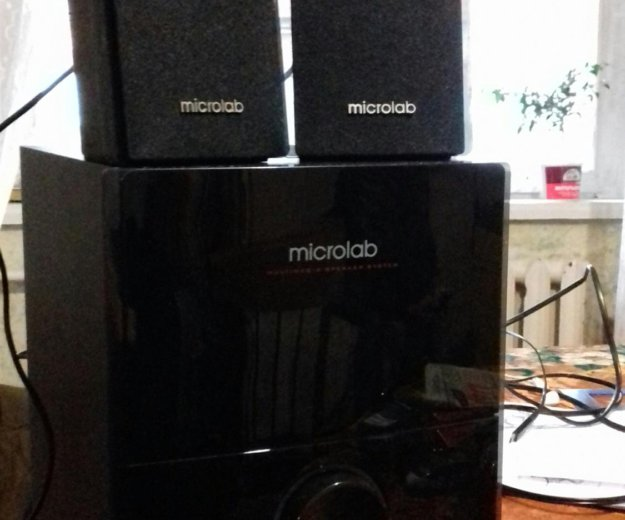 Microlab m 500 u. Фото 2.