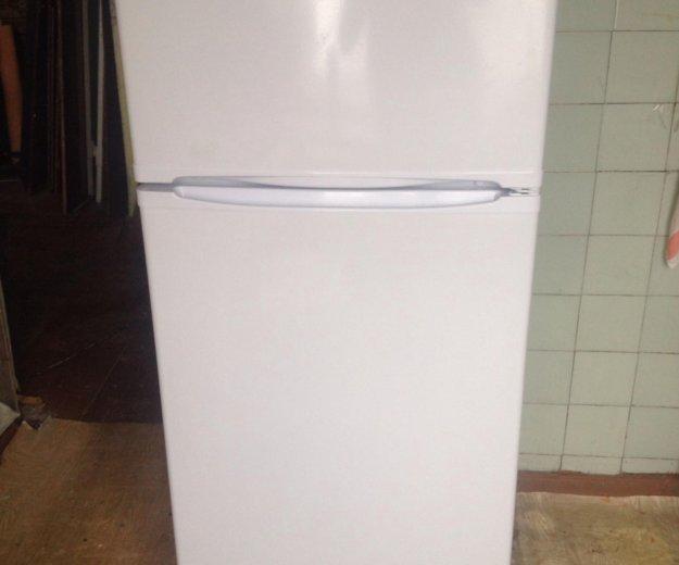 Холодильник indesit st 145. Фото 1. Новосибирск.