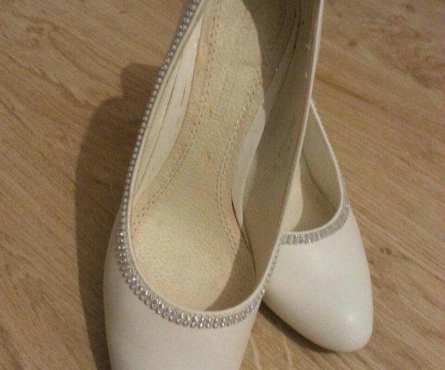 Белые туфли. Фото 1. Красноярск.