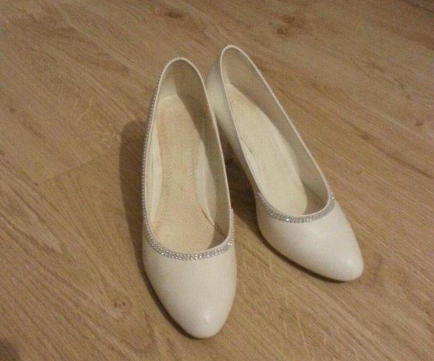 Белые туфли. Фото 3. Красноярск.