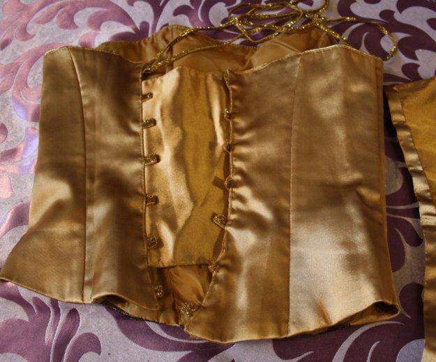 Корсет и юбка. Фото 2. Геленджик.